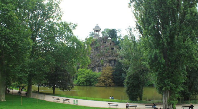 A Hidden Gem In Paris – Parc des Buttes-Chaumont