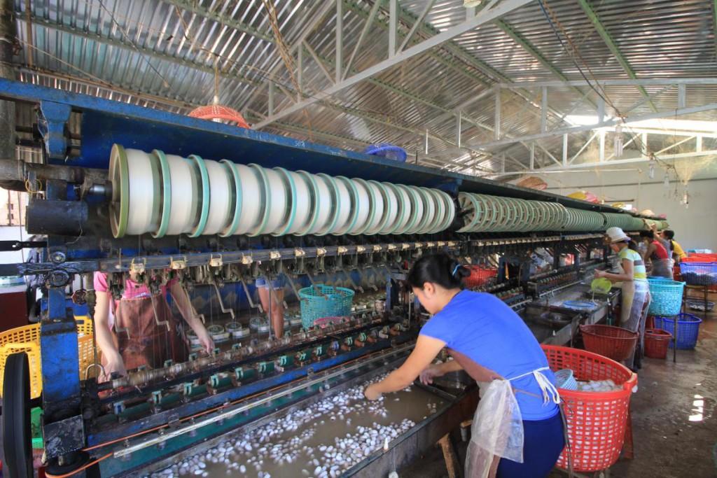 Da Lat silk factory