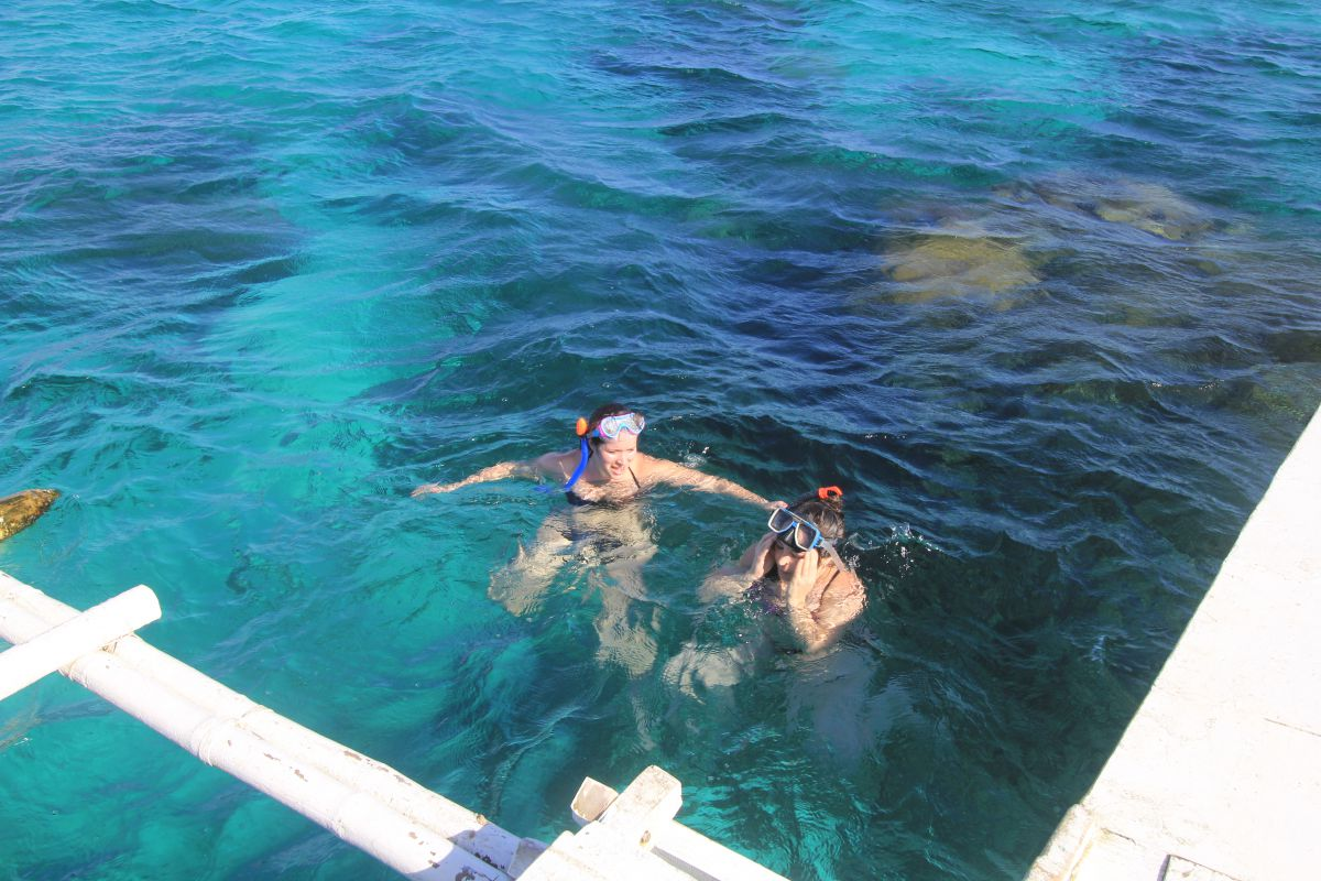 Language In 45 And 47 Stella Street: Panglao Island Hopping: Dolphins, Snorkeling, & The Virgin