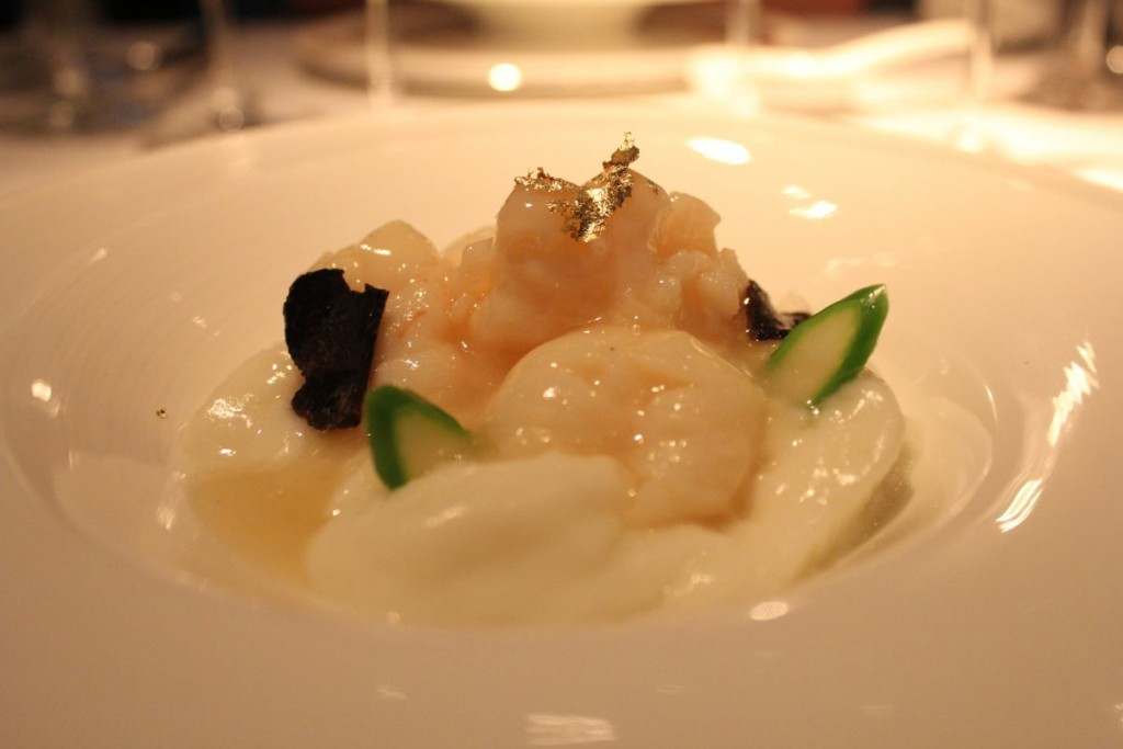 above-and-beyond-lobster-hotel-icon-egg-white