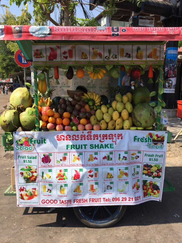 what-to-eat-in-cambodia-smoothie-768x102