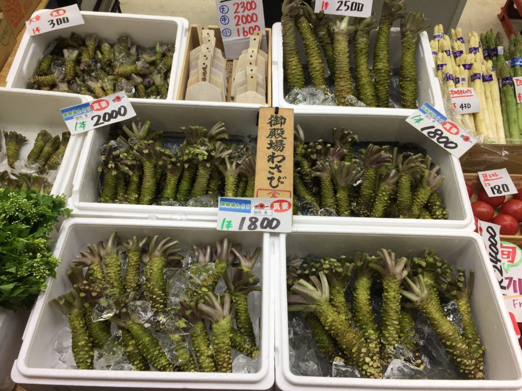 tsukiji-fish-market-tokyo-12-1024x768.jp