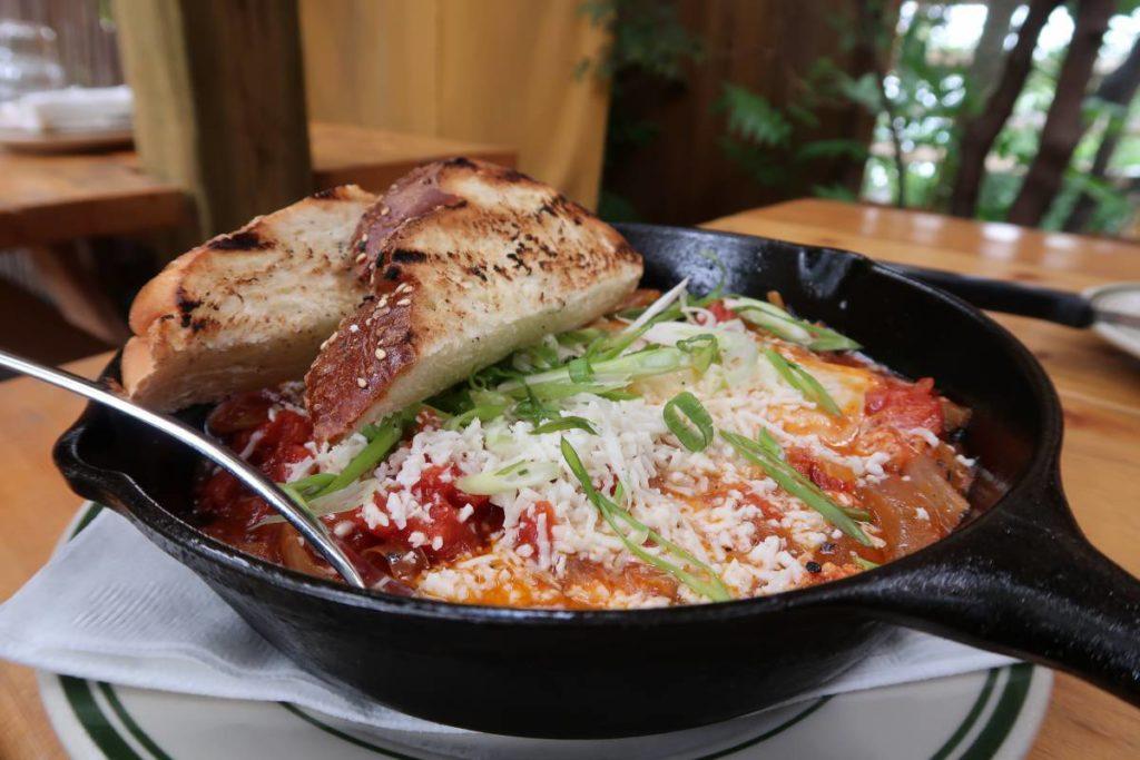 restaurants-in-toronto-8-1024x683.jpg